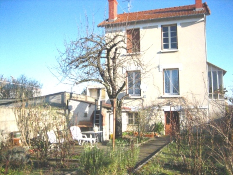 A vendre maison nevers 70 m l 39 adresse immobilier service for Garage a louer nevers