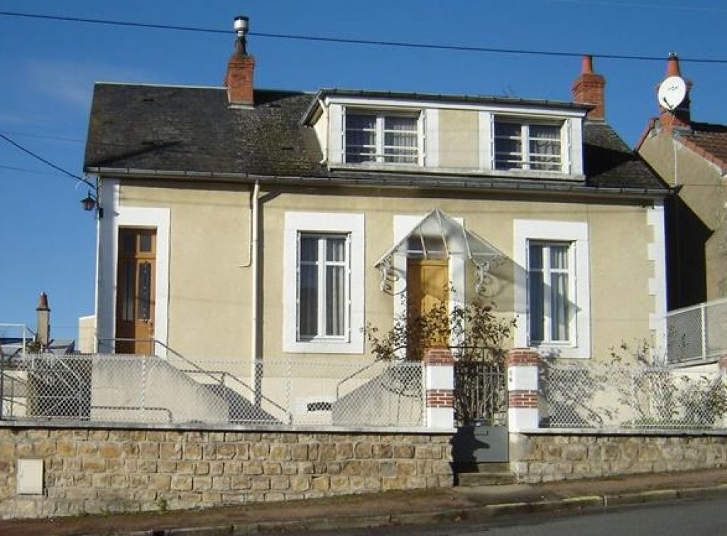 A vendre maison nevers 97 m l 39 adresse immobilier service for Garage a louer nevers