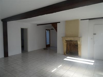 NEVERS - Maison de plain pied. 2 chambres possible 3