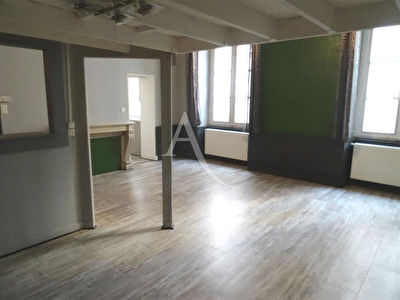 EN VENTE - NEVERS CENTRE , coeur de ville appartement F2